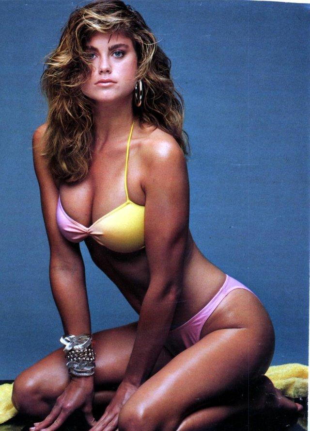 Моделі 90-х: як змінилася ефектна красуня Кеті Айрленд (18+) - фото 357449