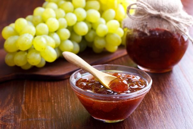 Варення з винограду на зиму: рецепти для білих і темних сортів з фото - фото 358075
