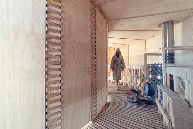 На фестивалі Burning Man побудували дерев'яну сауну: ефектні фото - фото 358743
