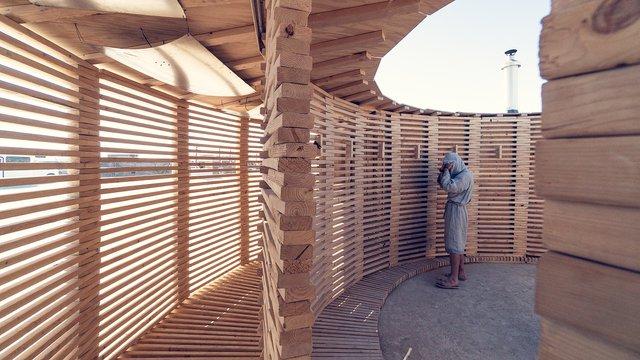 На фестивалі Burning Man побудували дерев'яну сауну: ефектні фото - фото 358745