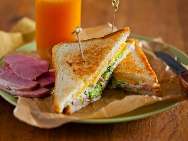 Рецепт гарячих бутербродів  - фото 358812