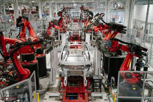 Tesla встановила новий приголомшливий світовий рекорд - фото 359242