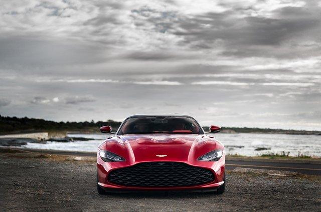 Aston Martin показав найдорожчу модель у своїй історії - фото 359834