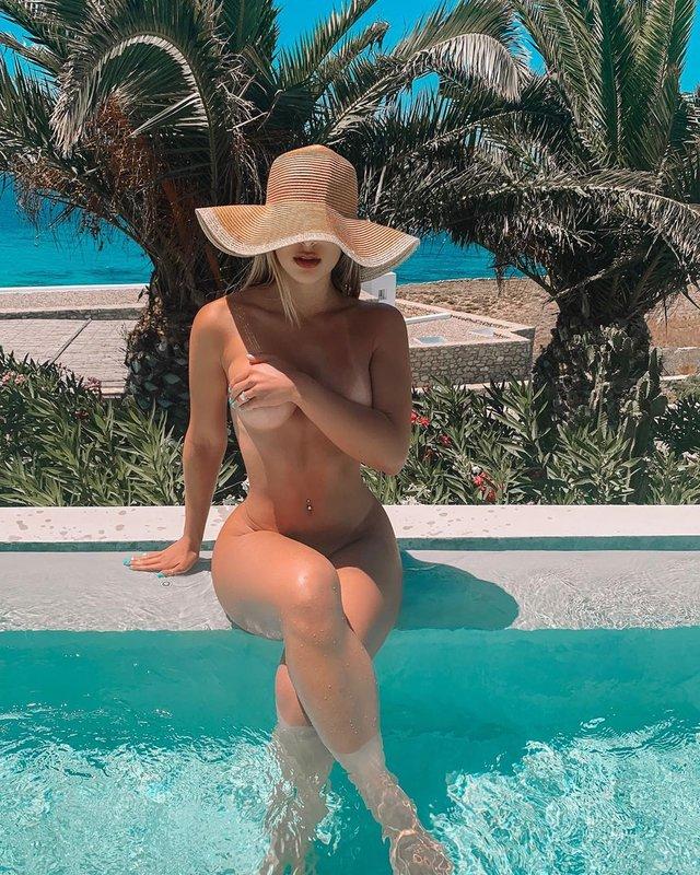 Дівчина тижня: гаряча модель та секс-бомба Instagram Ізабелла Бушемі (18+) - фото 359941