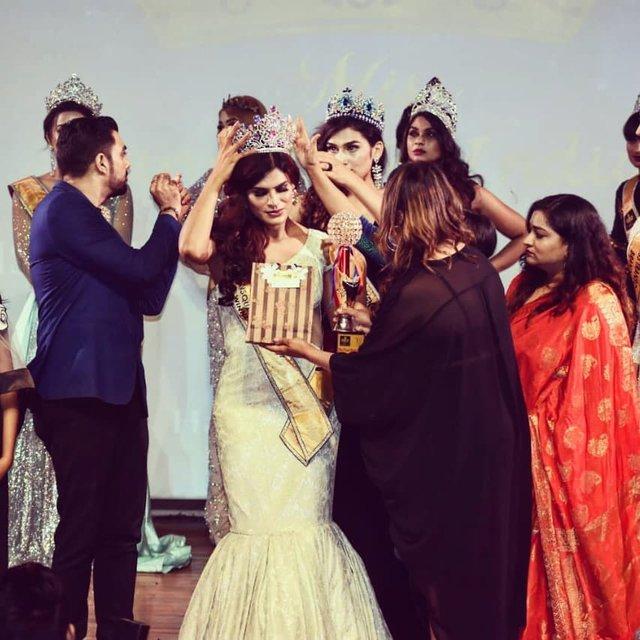 В Індії коронували Міс Транс-Королеву: фото переможниці - фото 360203