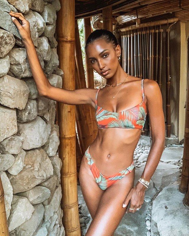 Ангел Victoria's Secret показала ідеальну фігуру в бікіні - фото 360467