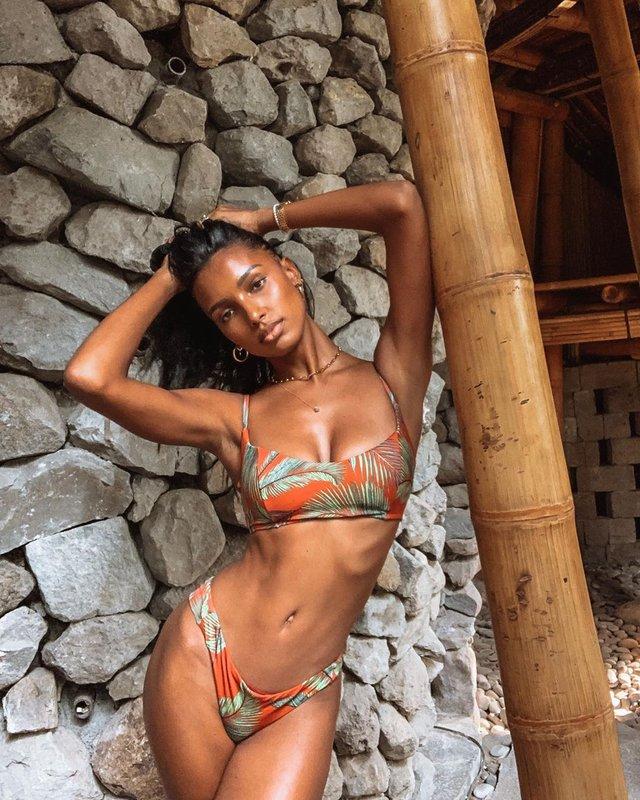 Ангел Victoria's Secret показала ідеальну фігуру в бікіні - фото 360468