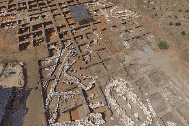 В Ізраїлі розкопали 'Нью-Йорк бронзового століття' - фото 360648