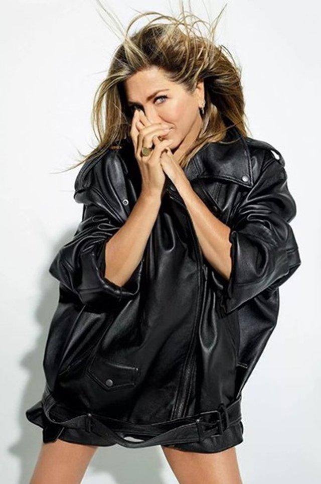 Дженніфер Еністон знялася у відвертій фотосесії - фото 360656