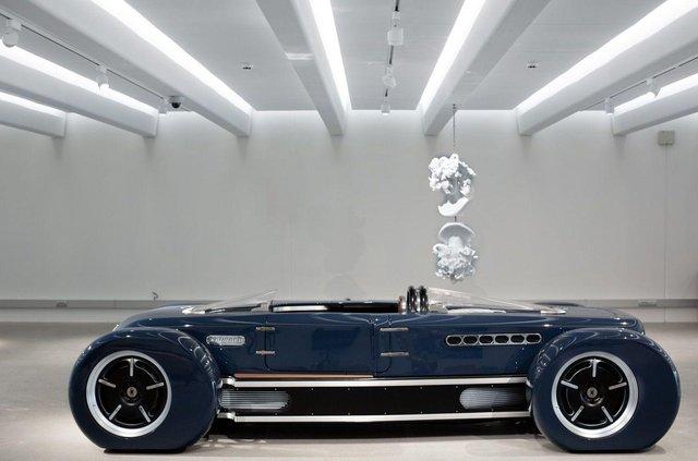 Представлений ретрофутуристичний родстер у стилі машин 30-х років - фото 360741