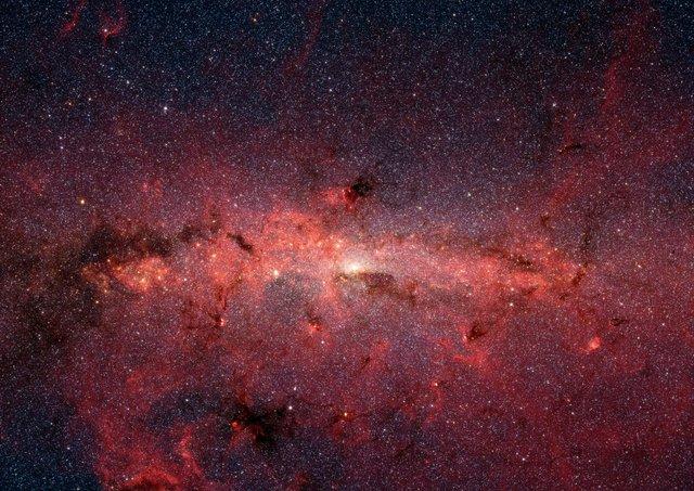 NASA опублікувало надзвичайно чіткі фото центру Чумацького Шляху - фото 360874
