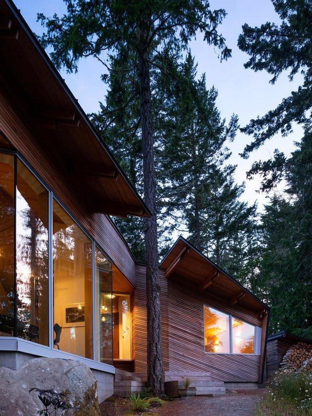 Архітектори створили незвичайний дім посеред лісу в Канаді: фото - фото 361310