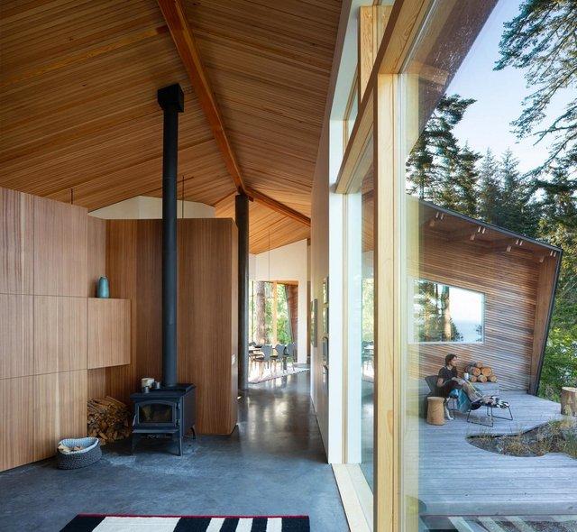 Архітектори створили незвичайний дім посеред лісу в Канаді: фото - фото 361311