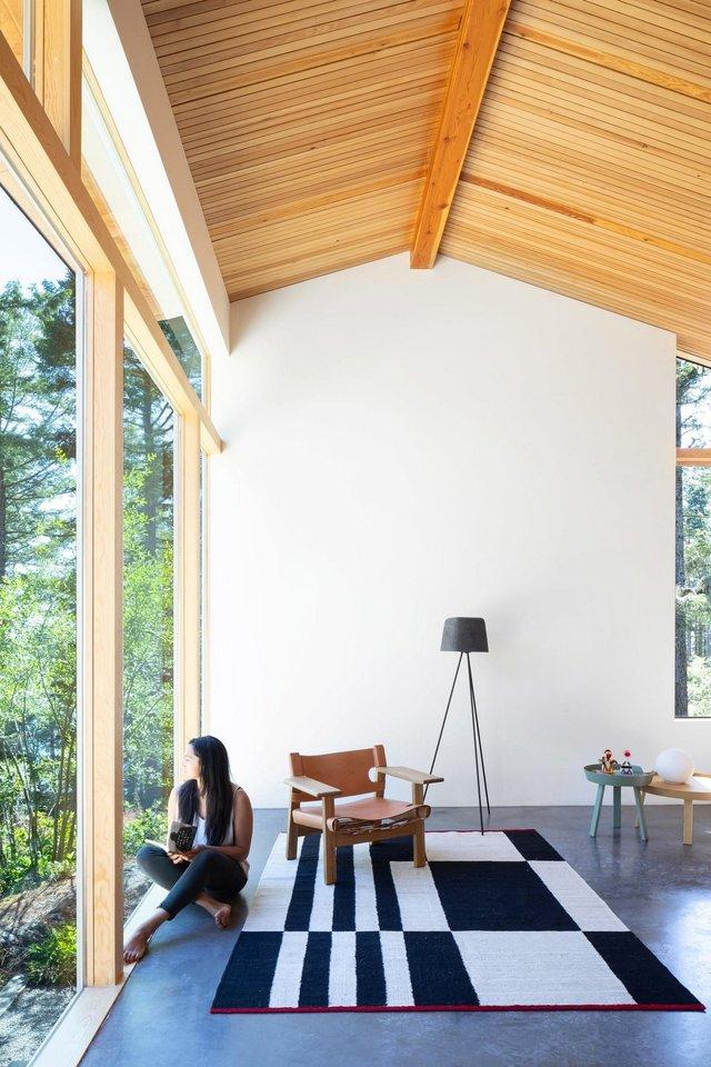 Архітектори створили незвичайний дім посеред лісу в Канаді: фото - фото 361313