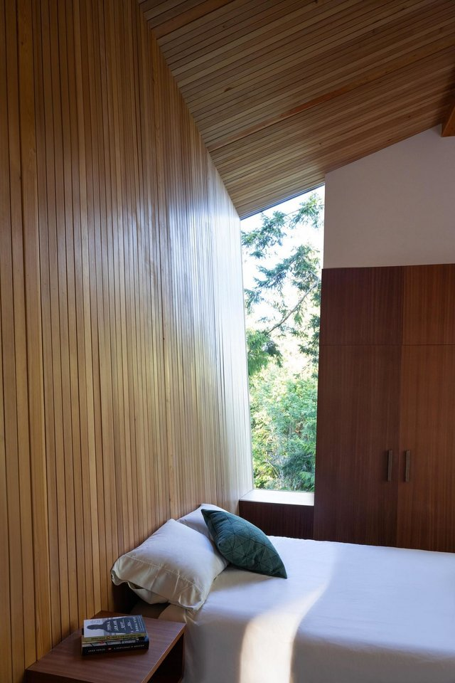 Архітектори створили незвичайний дім посеред лісу в Канаді: фото - фото 361319
