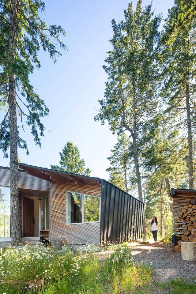 Архітектори створили незвичайний дім посеред лісу в Канаді: фото - фото 361320