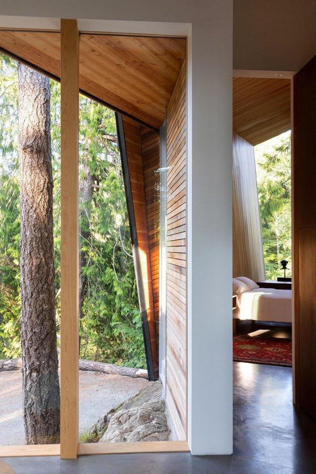 Архітектори створили незвичайний дім посеред лісу в Канаді: фото - фото 361321