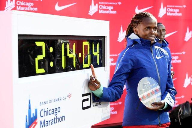 Встановлено новий рекорд у жіночому марафоні - фото 361452