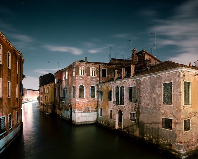 Нічна Венеція у яскравих знімках: дух перехоплює - фото 361534