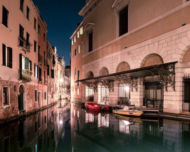 Нічна Венеція у яскравих знімках: дух перехоплює - фото 361536