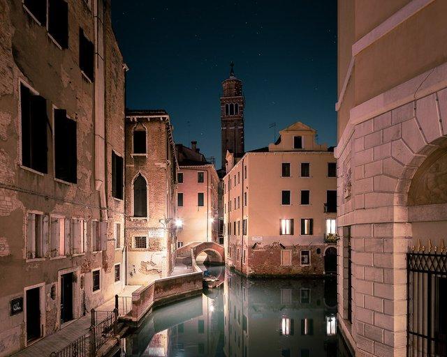 Нічна Венеція у яскравих знімках: дух перехоплює - фото 361538