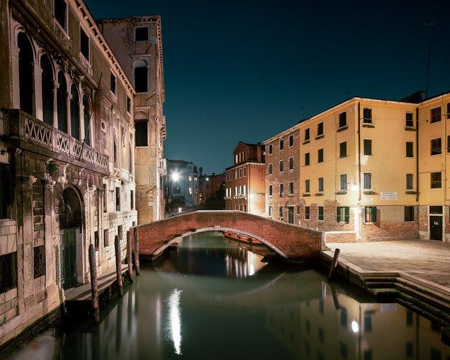 Нічна Венеція у яскравих знімках: дух перехоплює - фото 361540