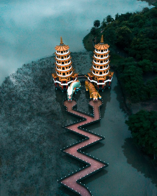 Dragon And Tiger Pagodas - Тайвань - фото 361666