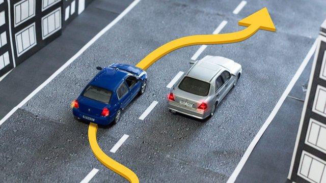 Три головних правила безпечного водіння, яких дотримуються водії зі стажем - фото 361676
