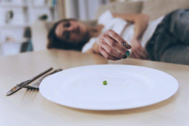 Чому не можна спати на голодний шлунок   - фото 362206