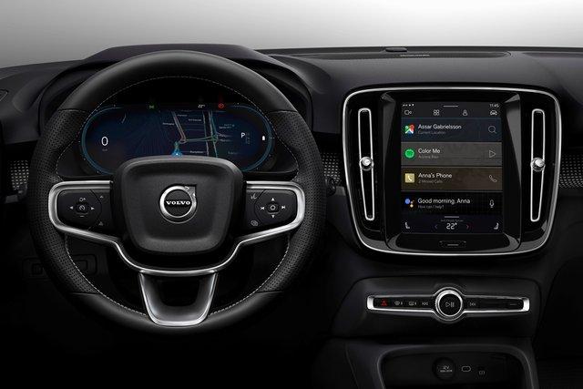 Volvo представила свій перший електромобіль: фото - фото 362275