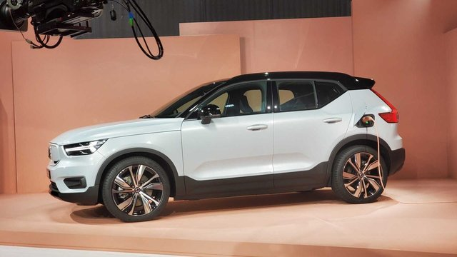 Volvo представила свій перший електромобіль: фото - фото 362279