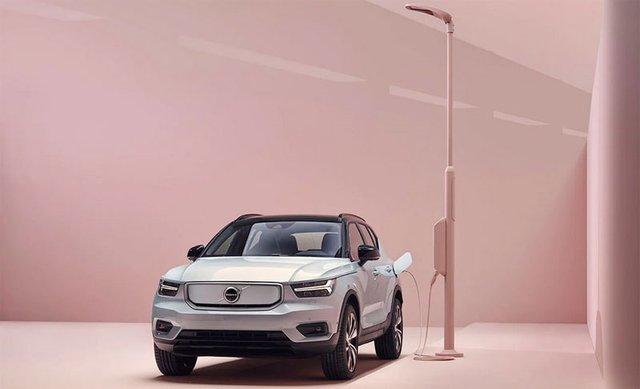 Volvo представила свій перший електромобіль: фото - фото 362281