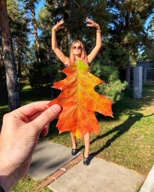 Леся Нікітюк зробила оригінальне фото з листям - фото 362453