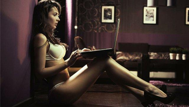 Українська веб-модель відверто розповіла про дивні фетиші клієнтів (18+) - фото 362704