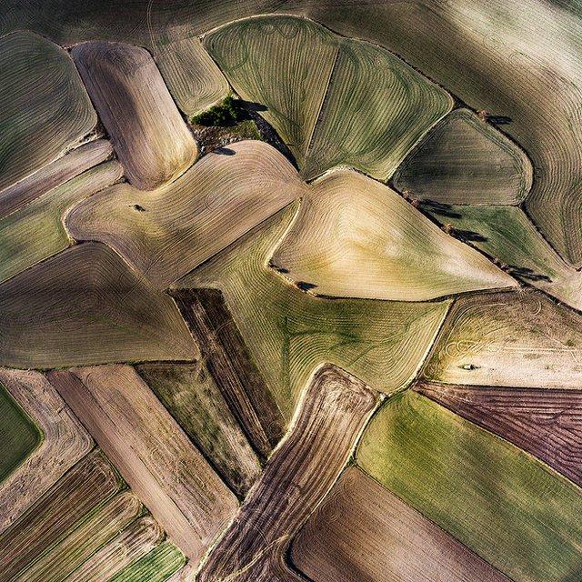 Не туристична Іспанія з висоти пташиного польоту: захопливі фото - фото 362788
