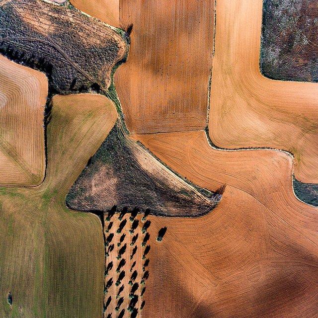 Не туристична Іспанія з висоти пташиного польоту: захопливі фото - фото 362792