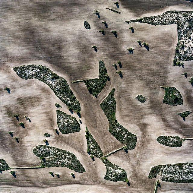 Не туристична Іспанія з висоти пташиного польоту: захопливі фото - фото 362793