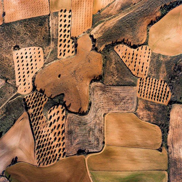 Не туристична Іспанія з висоти пташиного польоту: захопливі фото - фото 362794