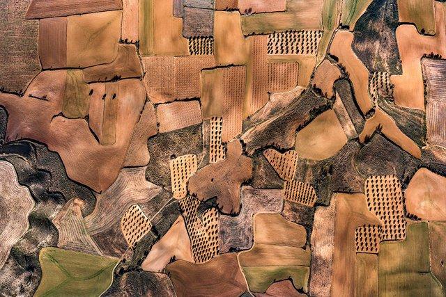 Не туристична Іспанія з висоти пташиного польоту: захопливі фото - фото 362796