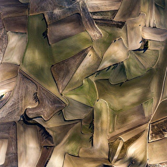 Не туристична Іспанія з висоти пташиного польоту: захопливі фото - фото 362797