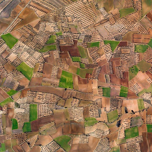 Не туристична Іспанія з висоти пташиного польоту: захопливі фото - фото 362798