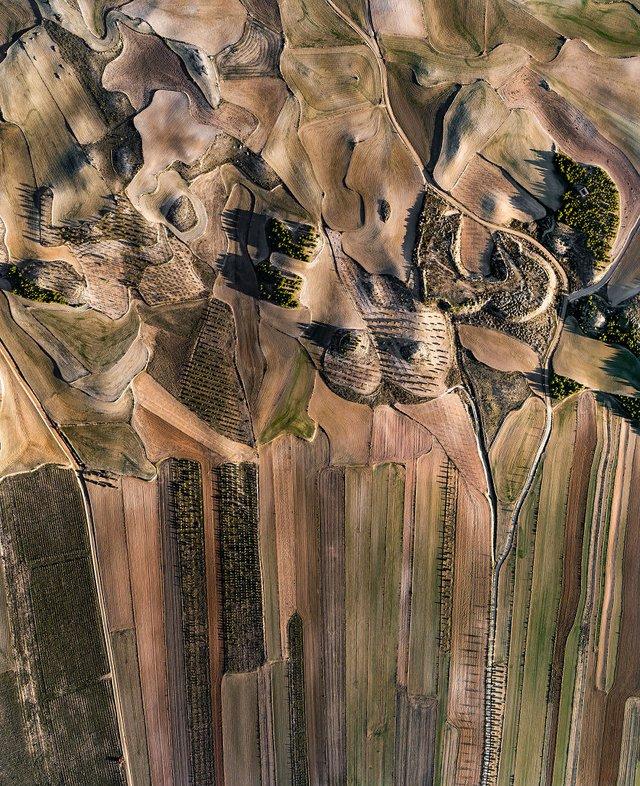 Не туристична Іспанія з висоти пташиного польоту: захопливі фото - фото 362800