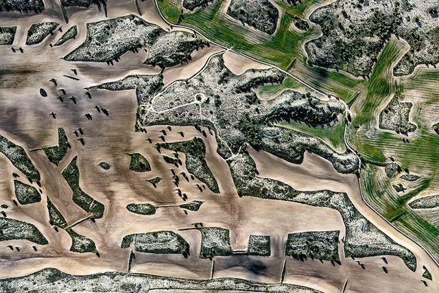 Не туристична Іспанія з висоти пташиного польоту: захопливі фото - фото 362801