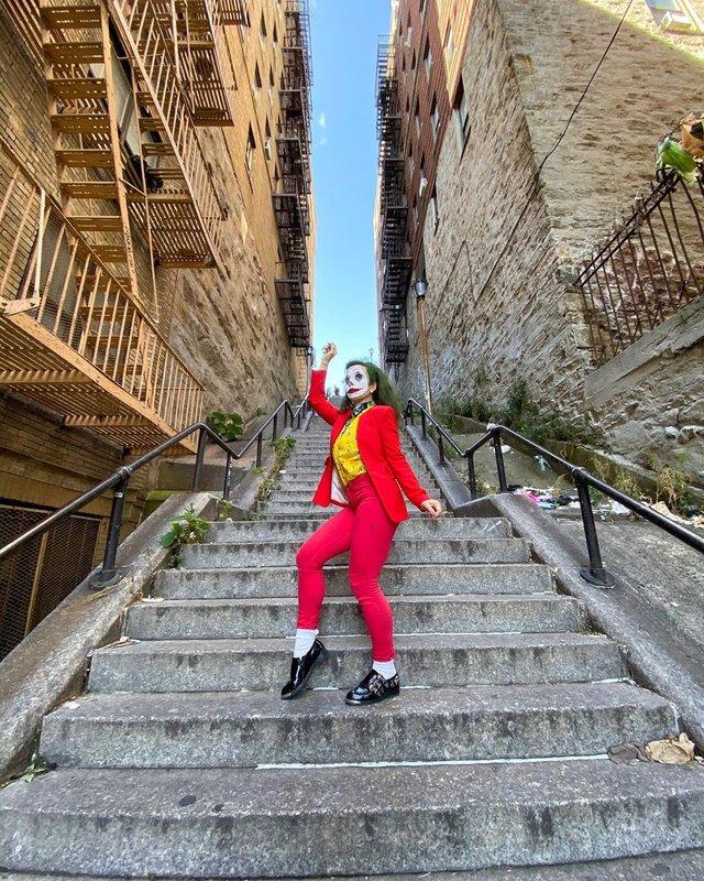 Сходи з Джокера: непримітну локацію Бронкса наповнили туристи і блогери (фоторепортаж) - фото 362818