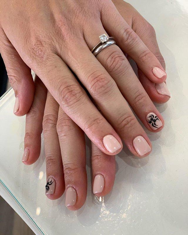 Манікюр на Хеловін 2019: модні тренди дизайну нігтів у фото - фото 363051