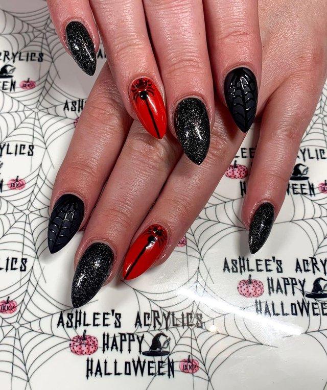 Манікюр на Хеловін 2019: модні тренди дизайну нігтів у фото - фото 363058