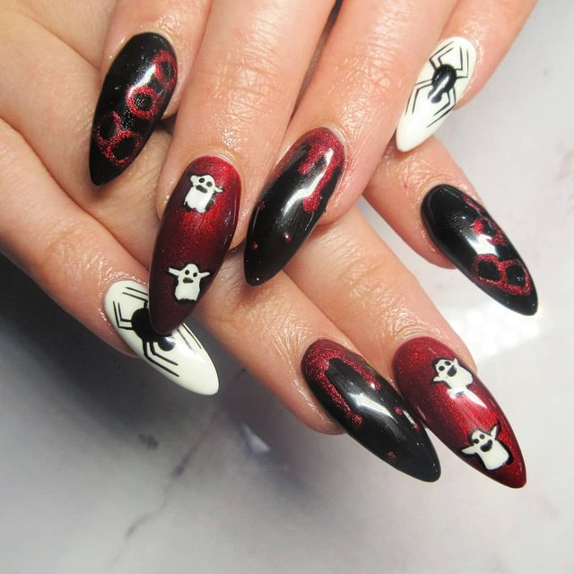 Манікюр на Хеловін 2019: модні тренди дизайну нігтів у фото - фото 363064