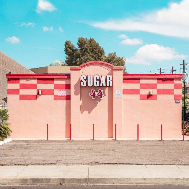 Як виглядають придорожні стрип-клуби у США: яскравий фотопроєкт - фото 363217