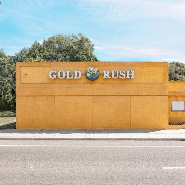 Як виглядають придорожні стрип-клуби у США: яскравий фотопроєкт - фото 363220