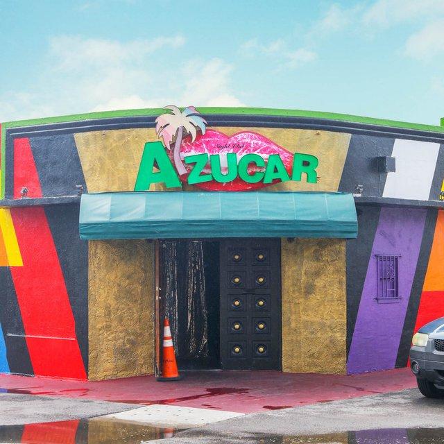 Як виглядають придорожні стрип-клуби у США: яскравий фотопроєкт - фото 363233